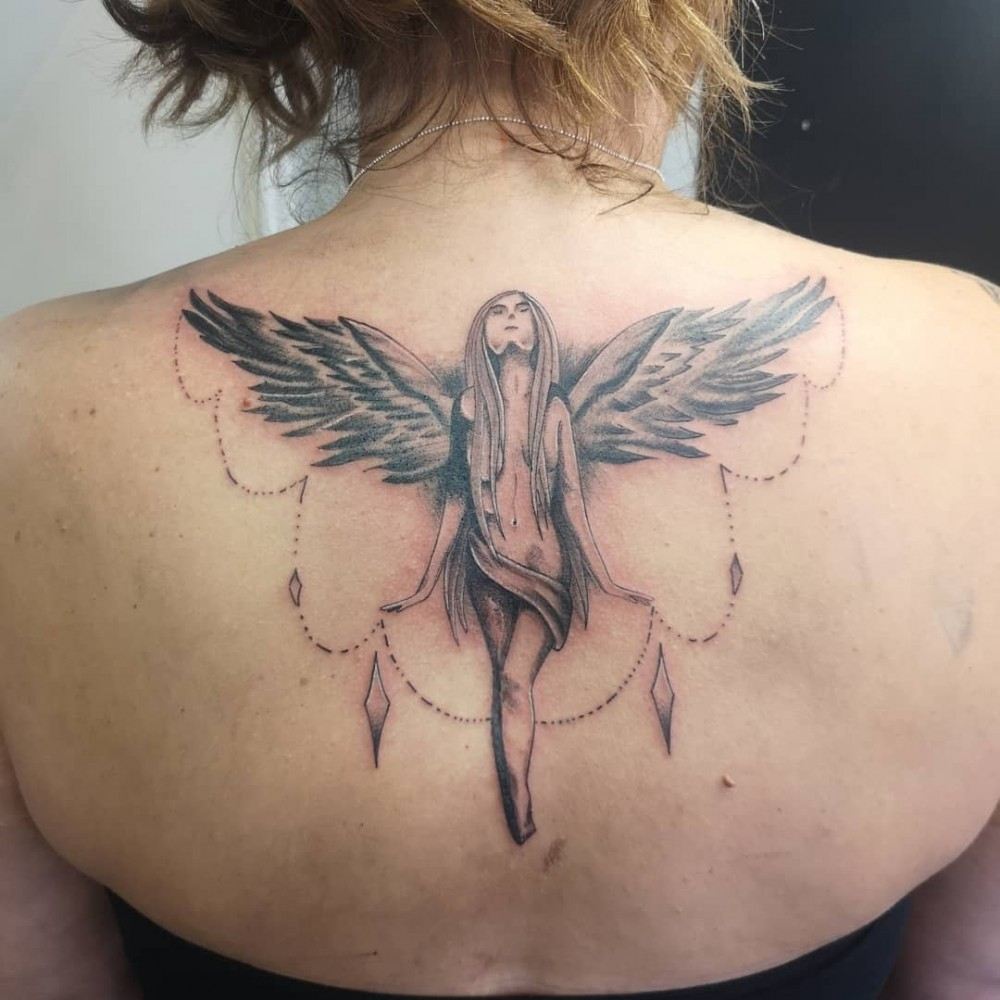 In Memory Of Family And Friends 87 Beautiful Female Guardian Angel Tattoo Design Ideas 2020 Lastminutestylist