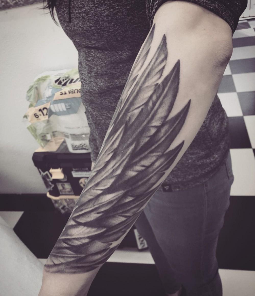 silver-angel-wing-tattoo-brianvufanclub