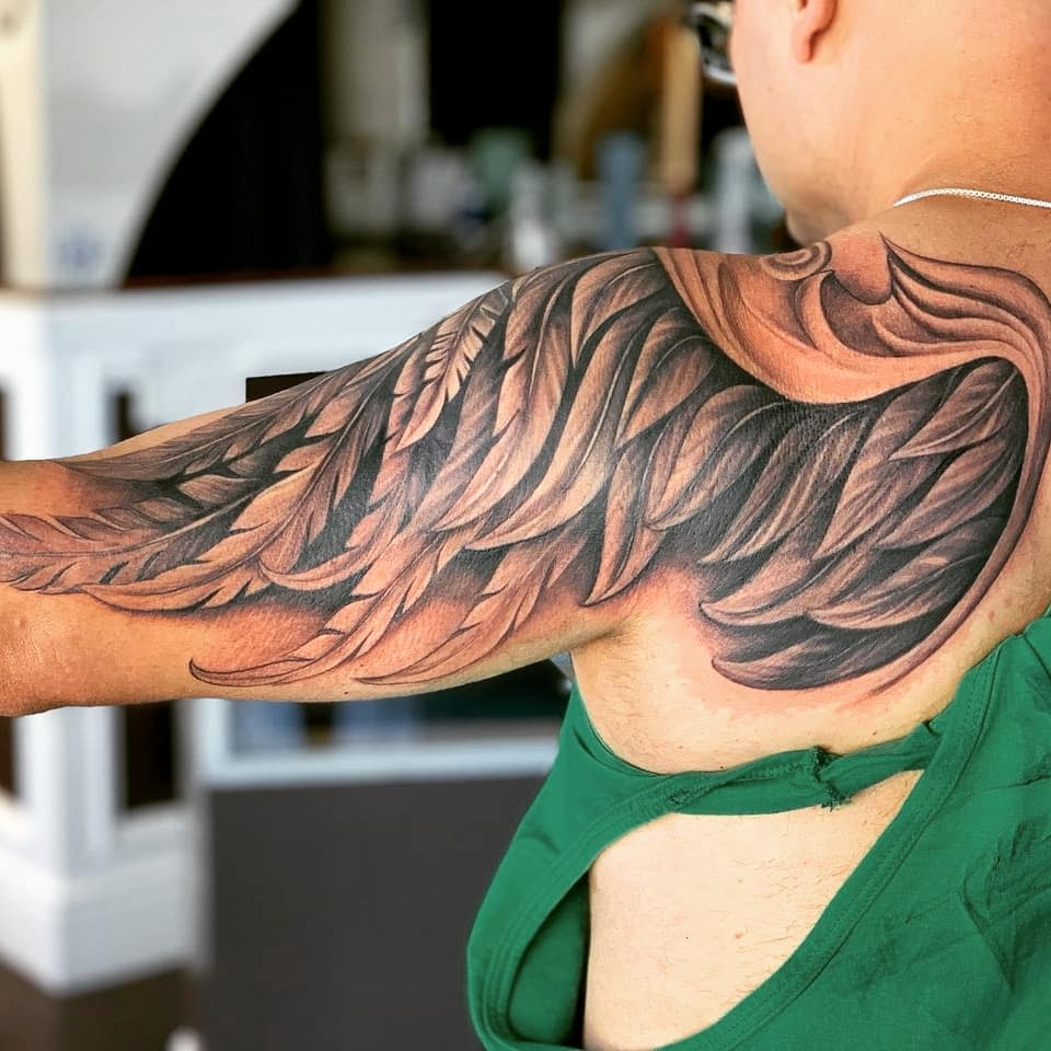 amazing-artwork-inked-angel-wing-tattoo-buenosdiazfive
