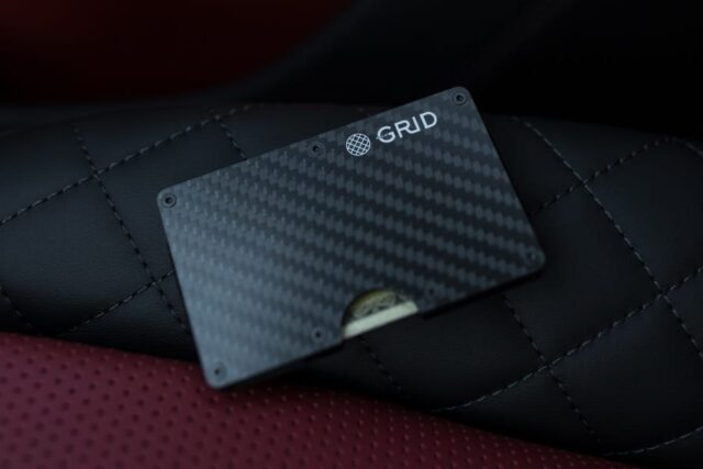 grid wallets on the cloth