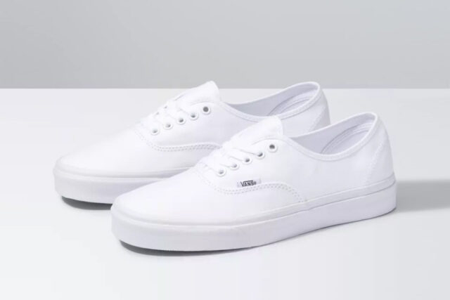 Vans Authentic Sneakers, best white sneakers 2020, men's white sneakers cheap, white leather sneakers, best white sneakers men's 2020, adidas white sneakers men's, minimalist white sneakers, white sneakers trend, white sneakers men's fashion