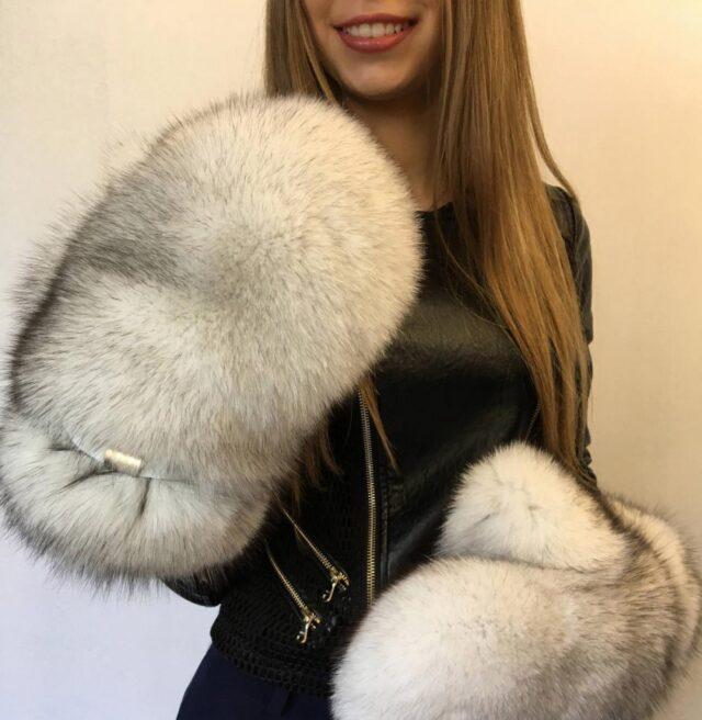 Giant Fur Mittens - Huge mittens