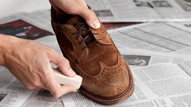 how to remove stains from suede shoes, how to clean suede sneakers, how to clean suede shoes with household products, suede cleaning kit, how to clean suede shoes with vinegar, how to clean suede shoes with baking soda, dry clean suede shoes, how to clean suede shoes without suede brush