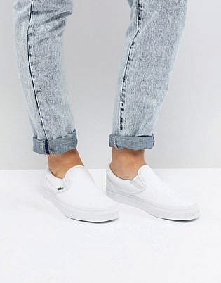 Vans Slip On Sneakers In White, slip-on shoe leggings, tops to wear with leggings, shoes to wear with tights, what shoes to wear with shiny leggings, what to wear with leggings 2020, how to wear leggings with a dress, shoes to wear with capri leggings, legging outfits with heels, how to wear ankle boots with jeggings, what to wear with brown leggings