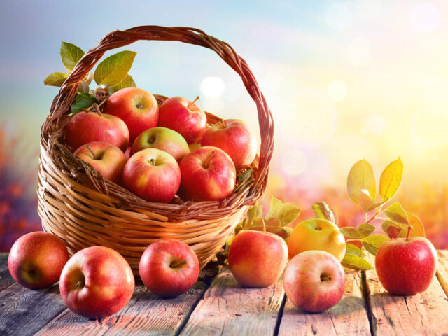 benefits of organic food, disadvantages of organic food, why is organic food more expensive, should i buy organic lettuce,, pesticide removal from fruit and vegetables, do blueberries need to be organic, should i eat organic, should you buy organic potatoes,