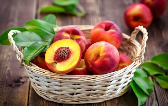 foods you dont need to buy organic, foods to buy organic chart, what to buy organic 2020, should i buy organic oranges, should you buy organic bananas, what to buy organic and what not list, should i buy organic blueberries, should you buy organic bananas,